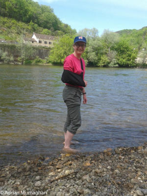 Liz paddling in rather than on the Dordogne